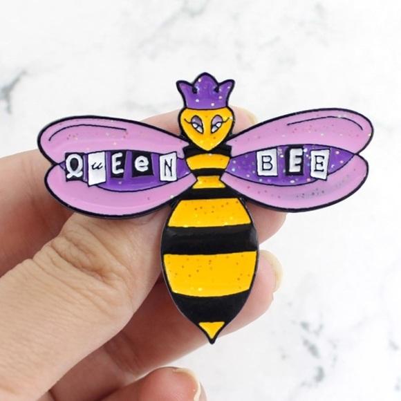 Jewelry - NEW Large Glitter Queen Bee Enamel Pin Brooch